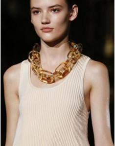 Stella-Mc-Cartney-Style-report3-Bangles-Chains-Spring-Summer-2015-Amusingold