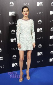 jennifer-connelly-giambattista-valli-noah-madrid-premiere__oPt