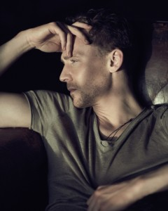 tom-hiddleston-flaunt-magazine-photoshoot-04