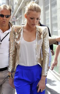 49671_blake_lively_on_the_set_of_gossipgirl_july2010_