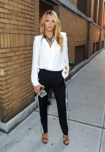 blake-lively-stylechi-barely-there-brown-heels-black-trousers-white-side-stripe-statement-necklace