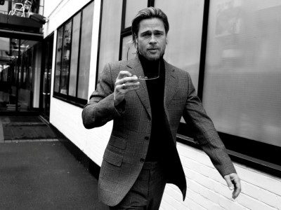 103481__brad-pitt-brad-pitt-actor-producer-man-suit-sunglasses-street-building-black-and-white_p