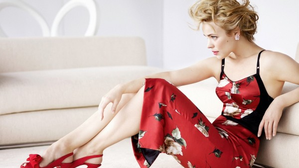 rachel_mcadams_blonde_dress_photoshoot_shoes_style_44145_2560x1440